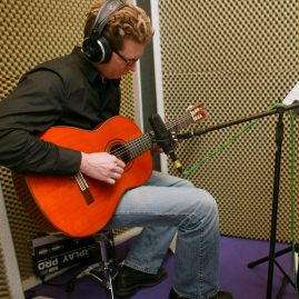 Komposition Pferde Kürmusik - Mirko van Stiphout Gitarre